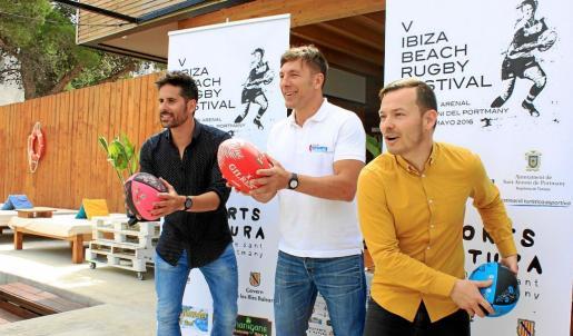 El concejal de Deportes de Sant Antoni, Antonio Lorenzo, el organizador del evento, Jason Harvey, y el director insular de deportes, Fernando Gómez, presentaron ayer el torneo.