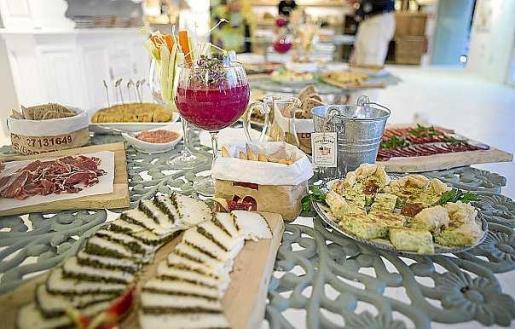Aubergine Ibiza ofrece comida sana y de alta calidad con hortalizas y verduras cultivadas en su propio huerto de Santa Gertrudis.