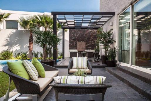 Die Terrasse sollte nicht zu klein geplant werden.