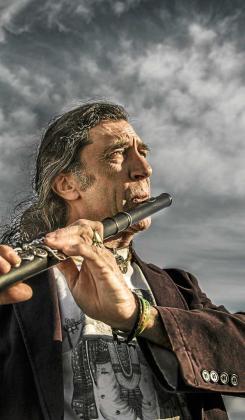 Jorge Pardo con su flauta travesera inconfundible en su fusión flamenca.