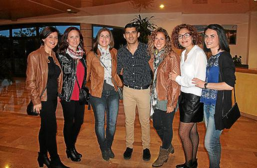 Marga Simonet, Queralt Rodríguez, Gero Ramis, Fran Infante, Mar Prieto, Xisca Pérez y Raquel Soria.