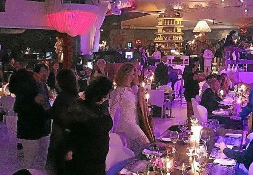 Los invitados disfrutaron de una noche singular de inauguración de Lío. Foto: DANIEL ESPINOSA