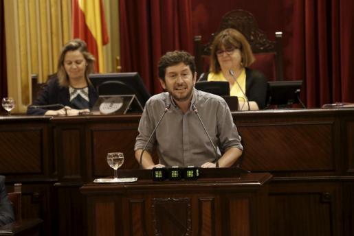 Alberto Jarabo en el Parlament.