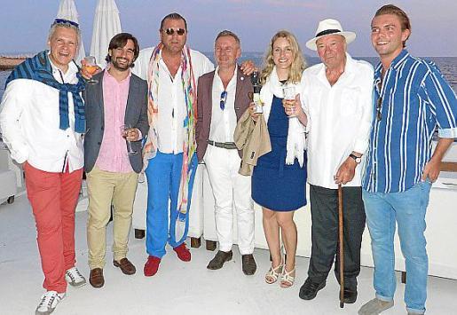 Olaf Barken, Iñigo Alberto Estrada, Markus Tollmann, Gerhardt Braun, Claudia Tollmann, Walter Tollmann y Rubén Tollmann.