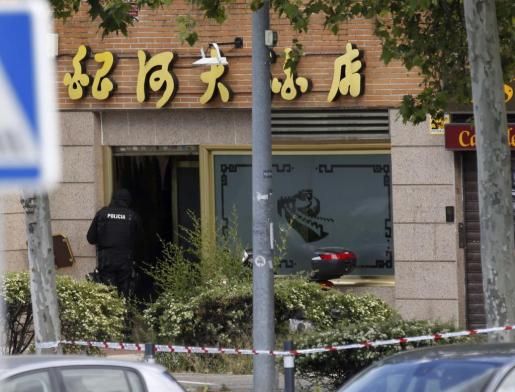 Exterior del restaurante chino de la localidad madrileña de Alcobendas donde un inspector de Policía se atrincheró el agente.