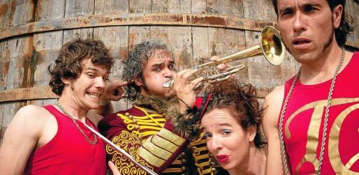 La compañía Passabarret de Tarragona con su imagen de circo tradidional.