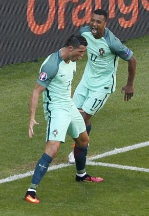 Cristiano Ronaldo celebra uno de sus goles ante Hungría.
