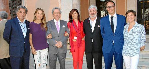 Juan Buades, Encarna Piñero, Jorge Dezcallar, Teresa Castellá, Rafel Salas, Ignacio Fernández y Teruca Jover.