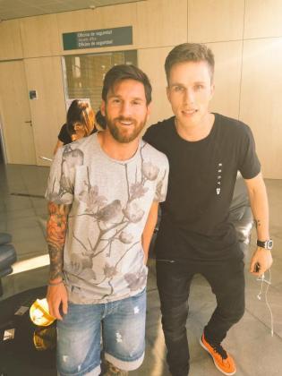"""""""Encantado de conocerte Messi! #Leyenda"""", dice Nicky Romero en la publicación que ha hecho a través de sus redes sociales."""