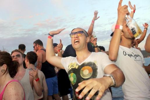 IBIZA PARTY BOAT SAN ANTONIO PUKKA UP FIESTA INGLESES