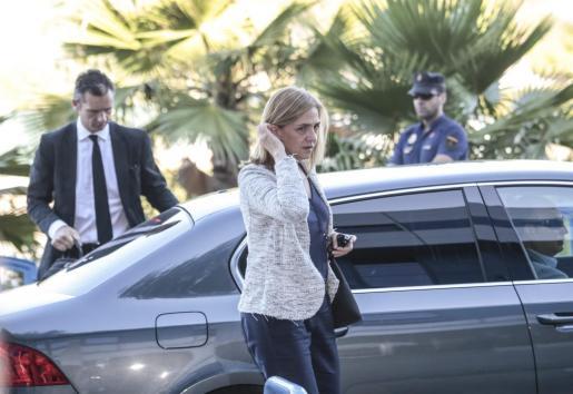 Imagen de archivo de la infanta Cristina y su marido, Iñaki Urdangarin, llegando a una jornada del juicio.