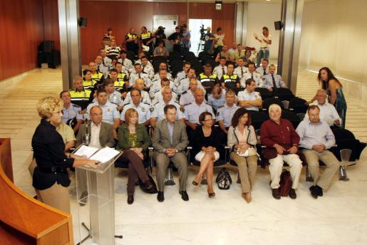 El acto tuvo lugar en el salón de plenos del Consell d'Eivissa.