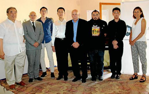 Toni Yoh, Ramón Rotger, Xiao Ming Zhang, el ganador Chang Ma; Nadal Torres, Didac Alcalá, Yiming Dou y Paula Serra.