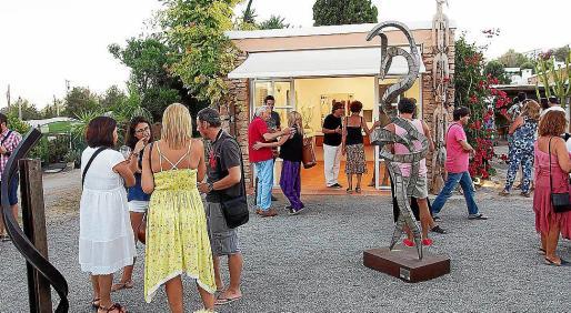 La inauguración de la exposición tuvo lugar este domingo y resultó todo un éxito de público. Foto: GARDEN ART GALLERY