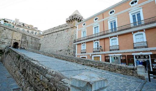 Las obras de conservación de las murallas renacentistas, Patrimoni de la Humanitat por la Unesco, costarán en total 1,2 millones de euros.