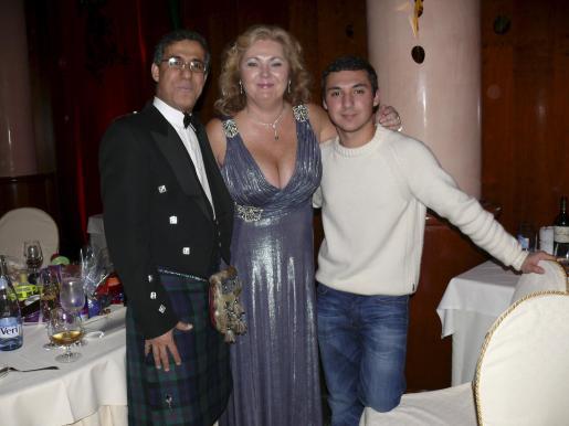 Labib Hassoun, Fiona Scotland y Aidan Blair.