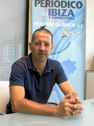 El técnico del Ciudad de Ibiza, ayer en las instalaciones del Grupo Prensa Pitiusa.