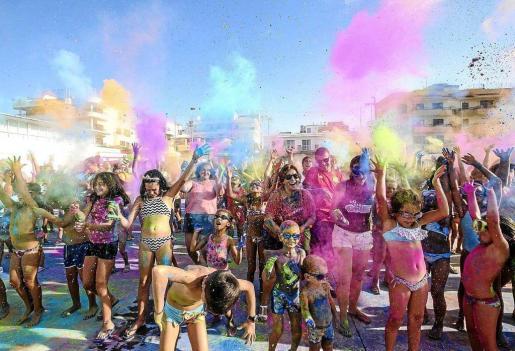 Imagen de la fiesta Holi. Foto: A. ESCANDÓN