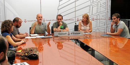 Reunión entre responsables municipales y del Consell sobre el mosquito tigre.