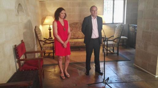 Catalina Cladera ha explicado que les queda «un mes y medio» para poder aprobar el presupuesto ya que se tiene que presentar antes del 30 de octubre ante el Parlament.