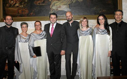 Jesús Campo, Yolanda Fernández, Ángeles Pérez, Miguel Ángel García, Xabier Pascual, Adriana Mayer, Rosa Ramón y Sergio Espejo.