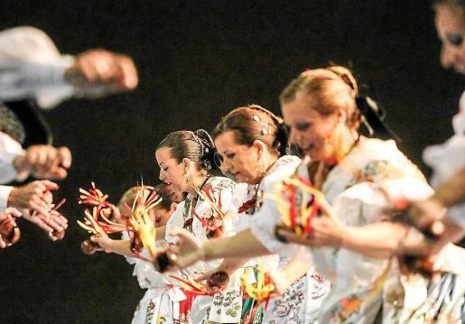 Para esta vigésimo edición del tradicional festival Mare Nostrum, la organización se ha decantado por traer a Ibiza una amplia demostración del folclore nacional. Foto: A. E.