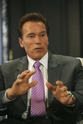 Arnold Schwarzenegger es, según una biografía no oficial, todo un mujeriego.