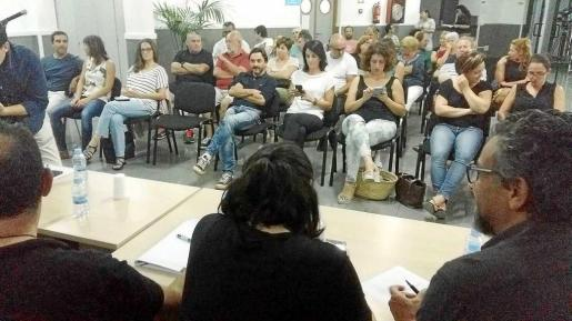 Un total de 27 asociaciones acudieron ayer al Consell d'Entitats. Foto: D. SETBETES