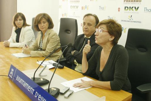 Margalida Buades, junto a Henri García.