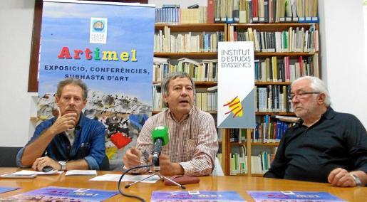 Carles Guasch, Marià Mayans y Pep Costa, durante la rueda de prensa de presentación de 'Artimel', ayer.