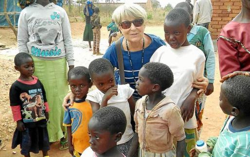 La voluntaria de Manos Unidas durante su estancia en Tanzania.