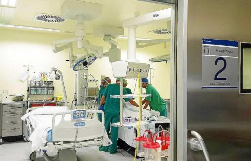 En la imagen de archivo, uno de los quirófanos del hospital Can Misses.