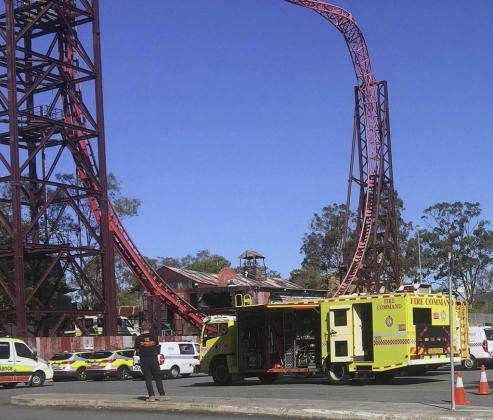 Los servicios de emergencias, en el parque de atracciones.