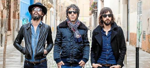 Sidonie, la formación catalana de rock psicodélico y alternativo compuesta por Marc Ros, Jesús Senra y Axel Pi.
