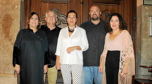 Nanda Isern, Damián Planas, Ketty Isern, David Romero y Cristina Isern.