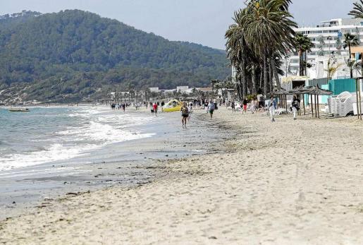 Platja d'en Bossa es una de las zonas turísticas más importantes de la isla de Ibiza. Foto: D. E.