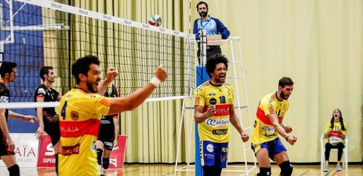 Los jugadores del Ushuaïa Ibiza Voley celebraron por todo lo alto no solamente la victoria, sino cada punto, especialmente los de set.