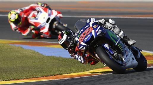 El piloto español de MotoGP Jorge Lorenzo durante el Gran Premio de la Comunidad Valenciana.
