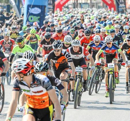 Una imagen de la Vuelta a Ibiza en mountain bike celebrada el año pasado. Foto: TONI ESCOBAR
