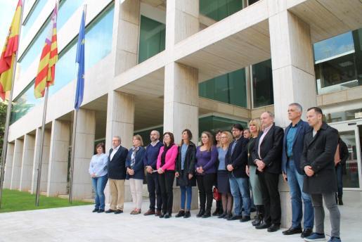 Las instituciones pitiusas mostraron ayer su rechazo unánime al último crimen machista que ocurrió en Palma esta semana.