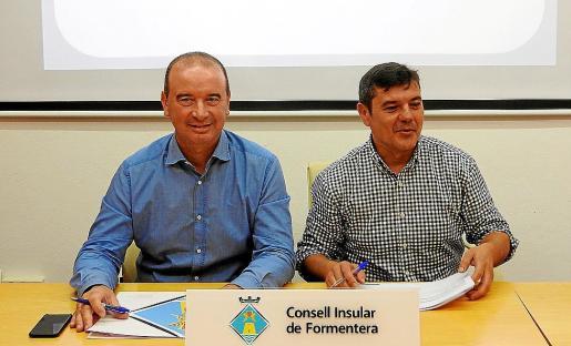 Jaume Ferrer y Bartomeu Escandell, ayer en la presentación de los presupuestos.