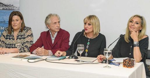 Gema Lendoiro, Carlos Martorell, Marta Díaz y Marta Robles, durante la presentación en Madrid.