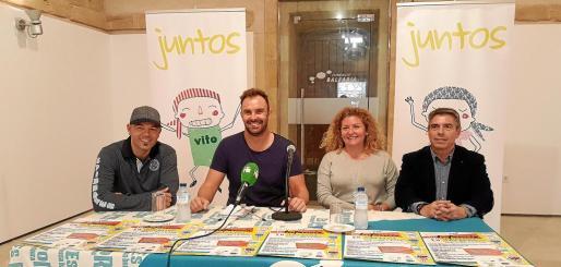 José Boto, Carlos Ramón, Marilina Bonet y Joan Serra, en representación de la Fundación Balearia, ayer en Es Polvorí, en la presentación del festival solidario de la ONG Juntos.