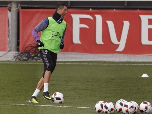 El delantero portugués del Real Madrid Cristiano Ronaldo durante un entrenamiento en la Ciudad Deportiva de Valdebebas.