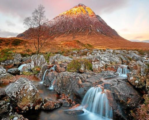 Fotografía correspondiente al valle de Glencoe, en las Highlands escocesas, Mención de Honor en los Premios Nature Image Awards.