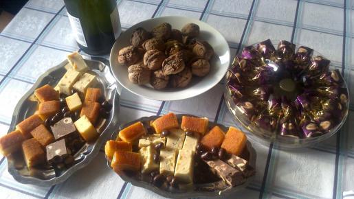 La nutricionista de Sanitas, Eva María Bautista recomienda durante la Navidad llevar a cabo las mismas pautas alimenticias saludables que en el resto del año.