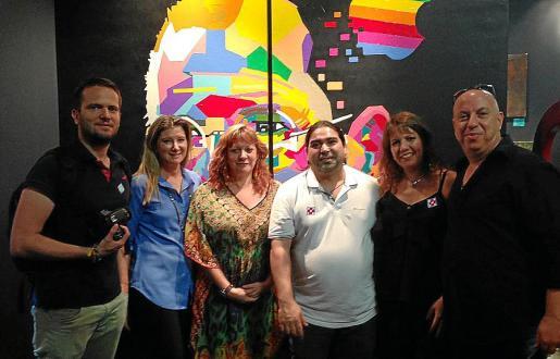 Víctor Mayol, Stacey Caridi, Miriam Rusin, José Luis Mesas, Pamela Vásquez y Moti Vinograd.
