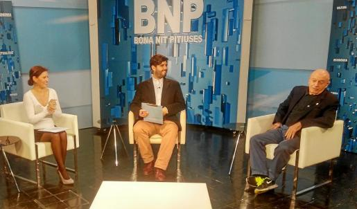 Sonia Escribano, Armando Tur y Abel Matutes, anoche, en el programa Bona Nit Pitiüses de la TEF. Foto: R. J. P.