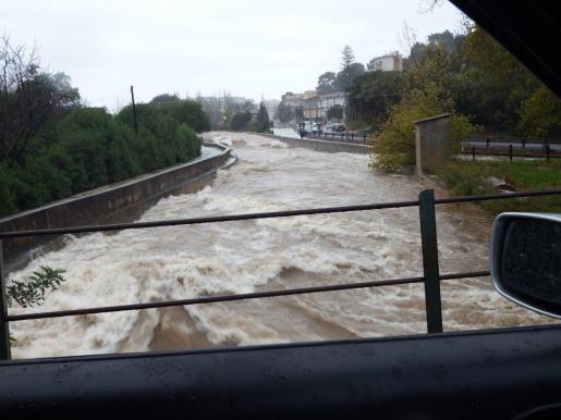 En la imagen, torrente de la Serra de Mallorca inundado por las fuertes lluvias.