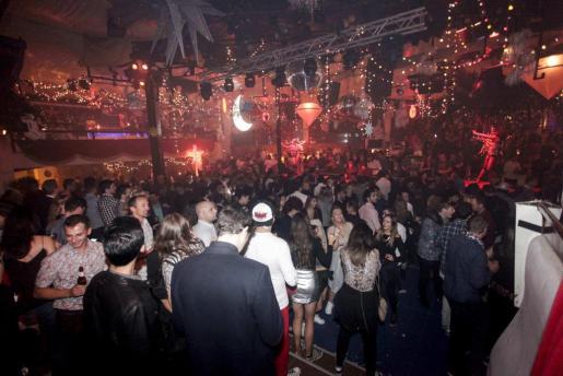 Fueron muchas las personas, de nacionalidades diversas, que eligieron Pacha para pasar la Nochevieja.